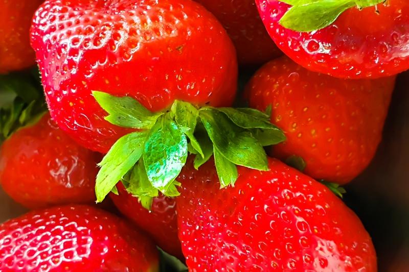 Jetzt ist der richtige Zeitpunkt für ein perfektes Erdbeertiramisu – Rezept auf dem Blog Kolibriliebe.